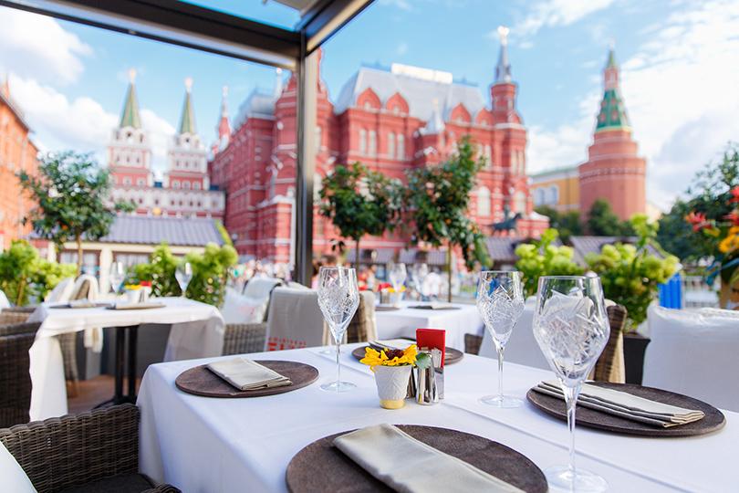 Выходные вгороде: летние веранды московских ресторанов. Бар «Московский»