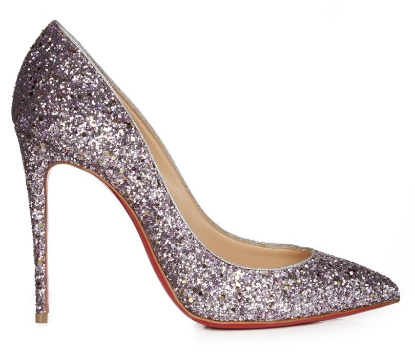 Новый год. Дресс-код: 28лучших пар обуви для новогодней вечеринки. Классические лодочки Christian Louboutin сглиттерным напылением