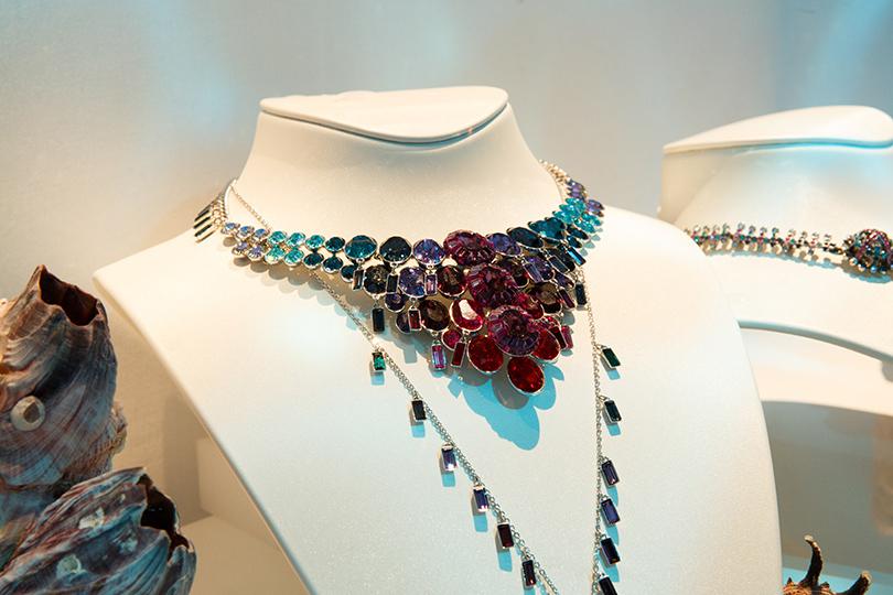 Коллекция Sea Of Sparkle от Swarovski: ожерелье Eminence в современной закрепке Pointiage с кристаллами огранки «багет»