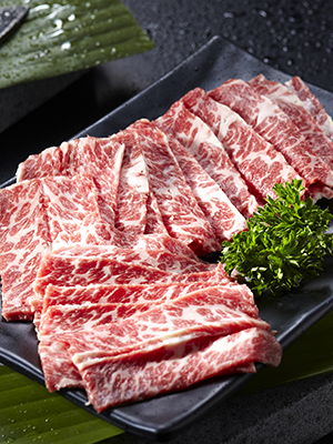 Известный вЯпонии мясник Нориаки Нумамото в Novikov Restaurant &Bar