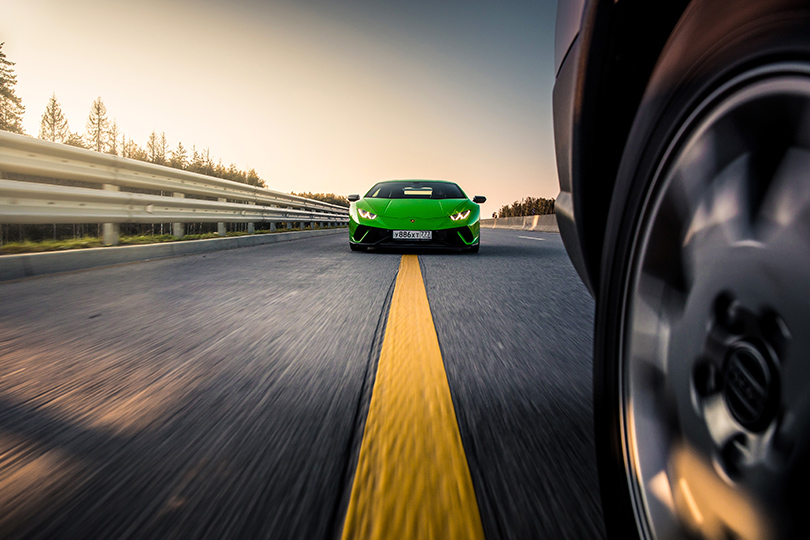 Авто сЯном Коомансом: зарулем Lamborghini Huracan Performante надороге инатреке