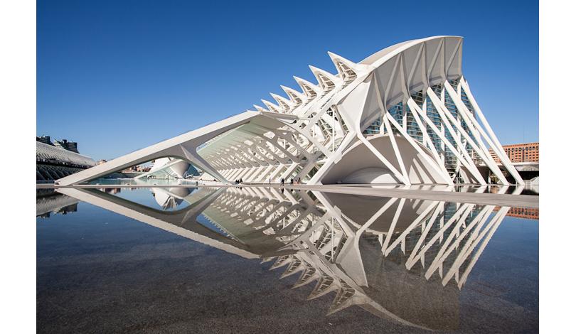 Lecture Me! Самые интересные лекции октября. 22октября: «Грани будущего: испанская школа архитектуры идизайна»