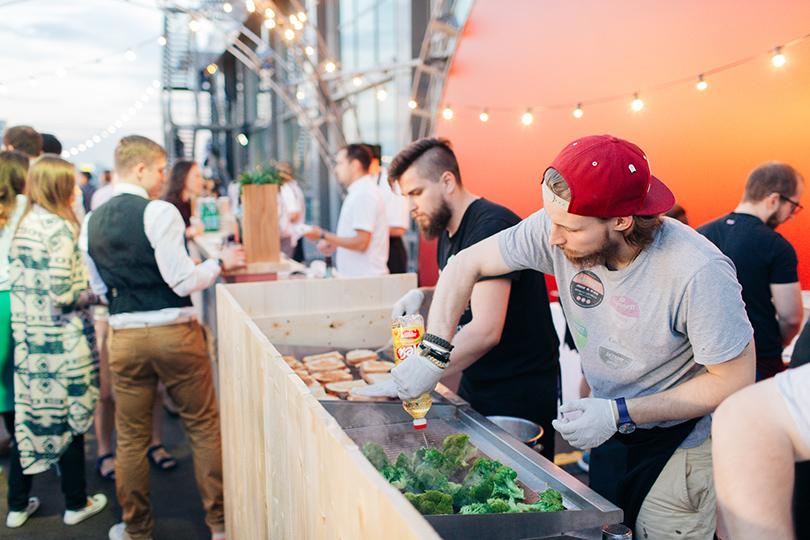 Светская хроника: вечеринка Simple Pleasures Rooftop Party