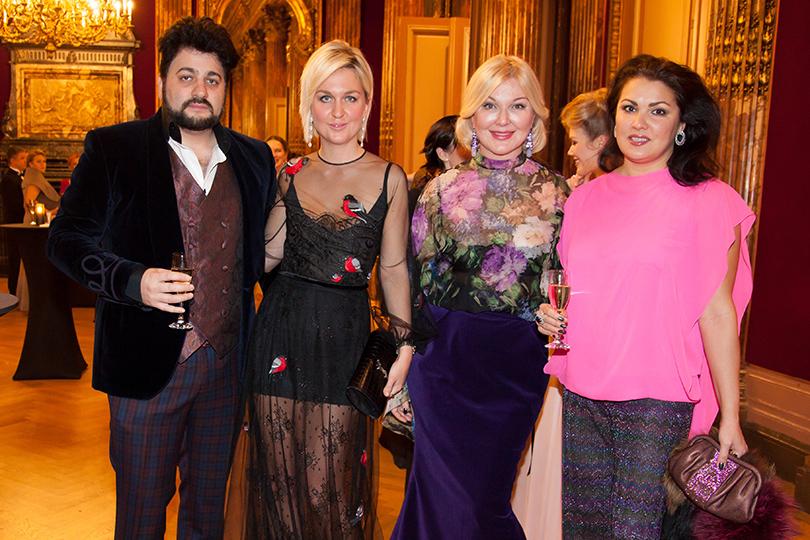 Гала-ужин Yanina Couture в Париже. Юсиф Эйвазов, Дарья и Юлия Янины, Анна Нетребко