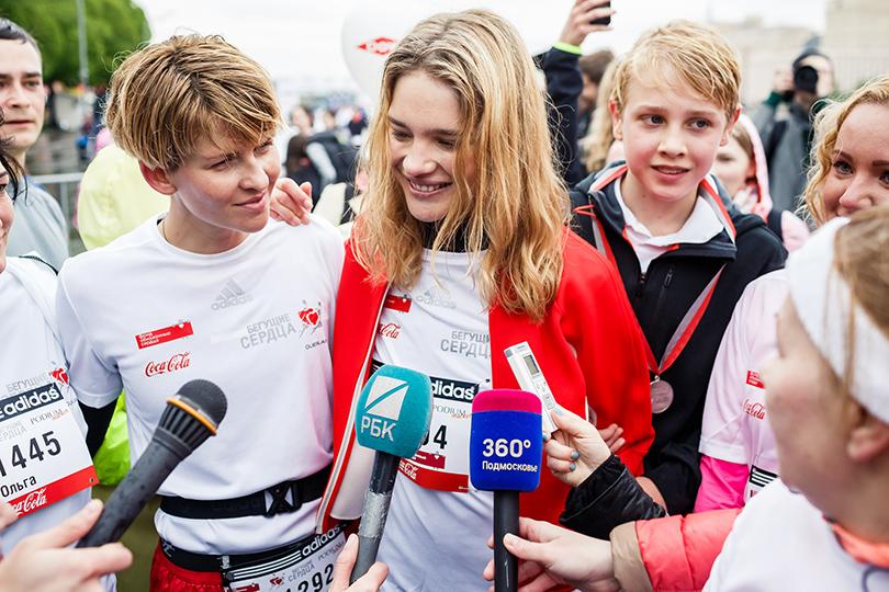 Полина Киценко и Наталья Водянова с сыном