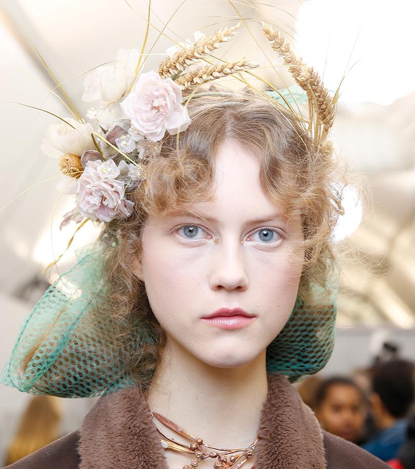 Уроки красоты сЕвгенией Ленц: повторяем модные образы споказа Dior Haute Couture