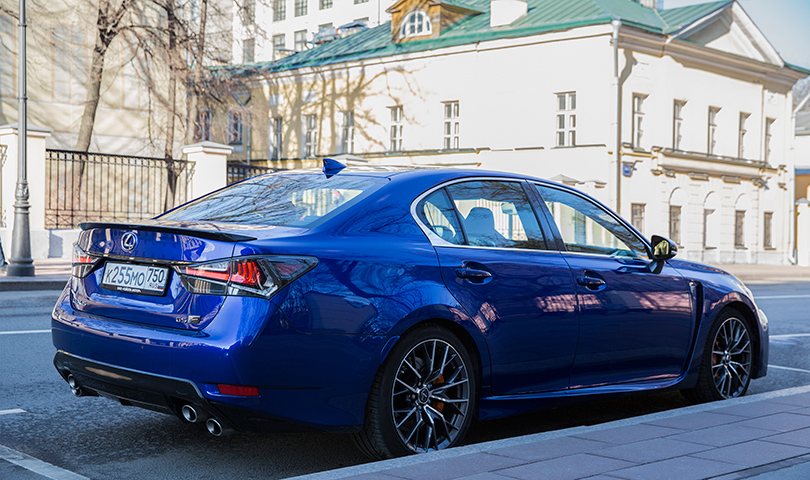 Cars with Jan Coomans. Lexus GS F review: a heavily evolved dinosaur?