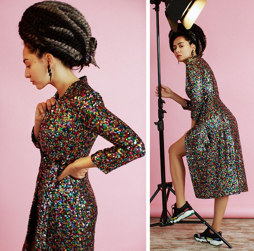Музыка: Манижа иеедебютный Manuscipt. Интервью свосходящей звездой. Платье изпайеток Roseville, кроссовки Dior