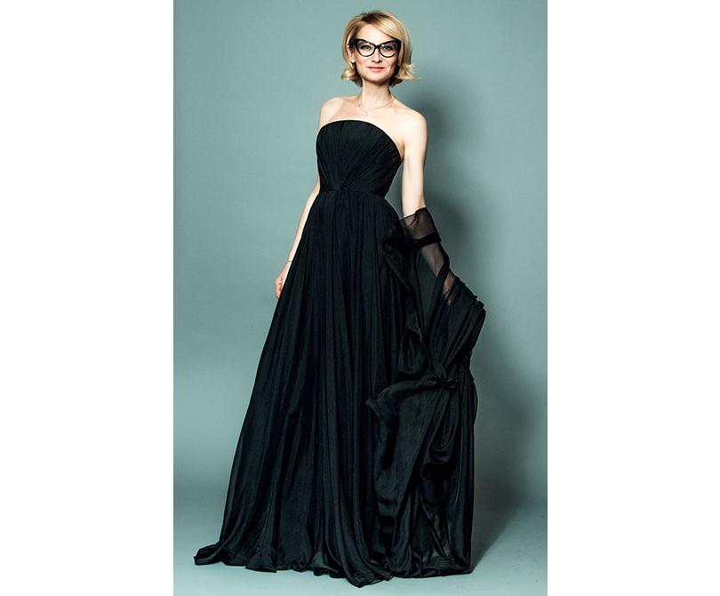 Эвелина Хромченко: «Новый год нужно стремиться встретить в новом платье»