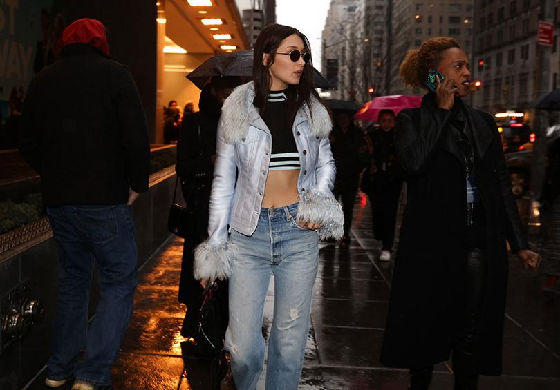Street Style: уличный стиль наНеделе моды вНью-Йорке. Белла Хадид