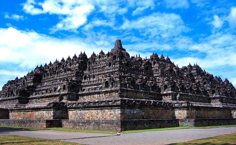 Храм Боробудур в Индонезии (остров Ява)