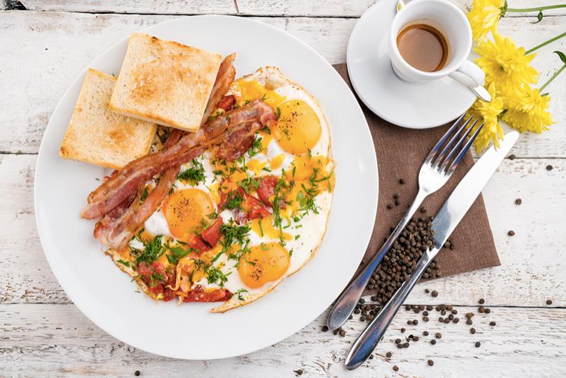 Идея дня: правильные завтраки в ресторане «Чугунный мост»