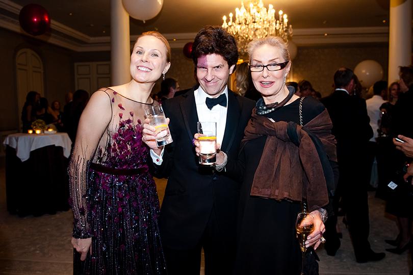 Дина Корзун с мужем Луи Франком и Ольга Свиблова