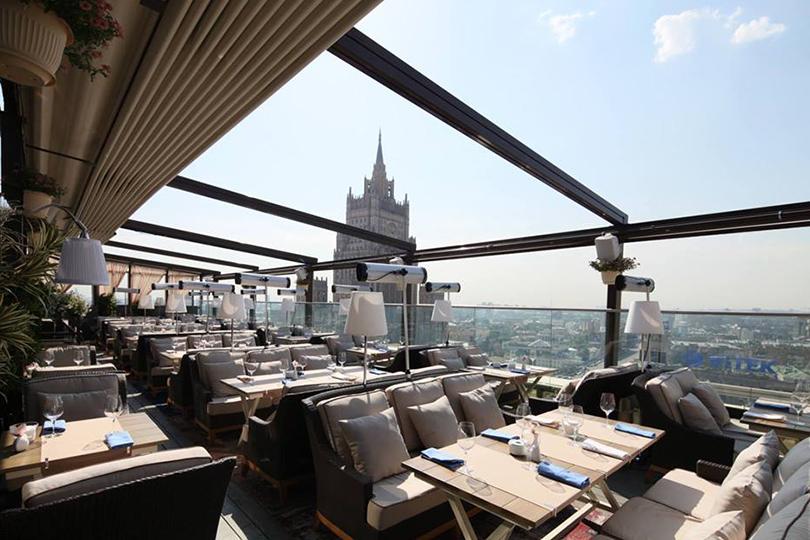 Выходные вгороде: летние веранды московских ресторанов. Ресторан White Rabbit