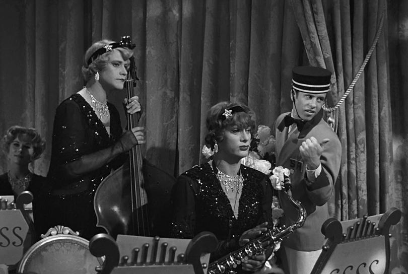 КиноТеатр: Эдди Редмэйн и еще десять мужчин, которые сыграли… женщин. Тони Кертис и Джек Леммон в фильме «В джазе только девушки»