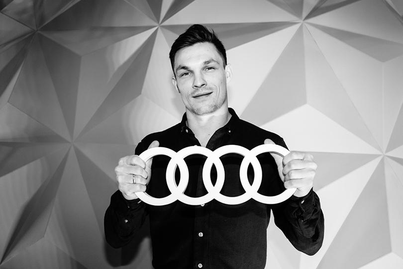 Тест-драйв в космосе с Audi в универмаге «Цветной»: Вик Уайлд