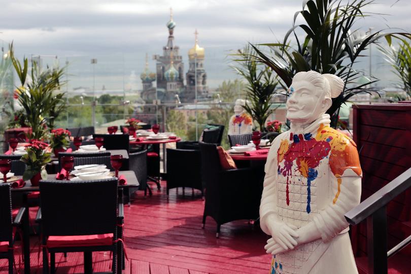 Cемь панорамных террас Санкт-Петербурга. «Китайская грамота. Бар иеда»