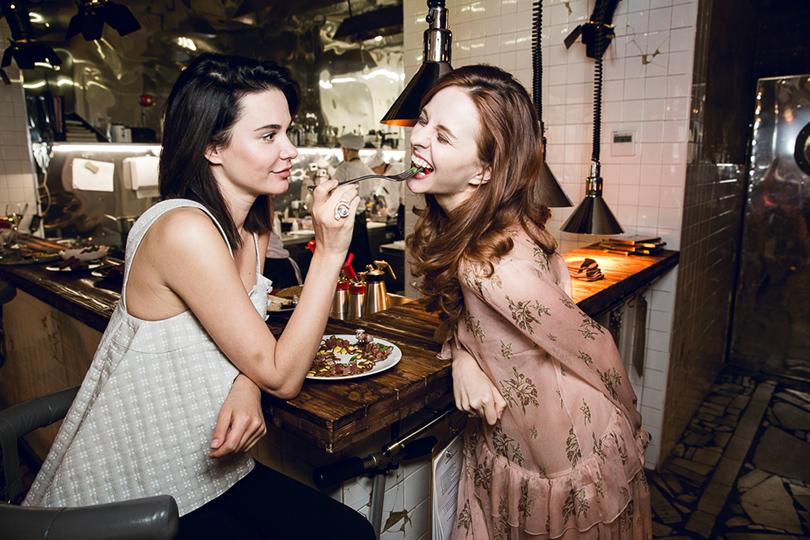 Let's Talk Food: девичник Москва-Петербург в ресторане Hamlet+Jacks. Надя Миссбах и Юлия Прудько
