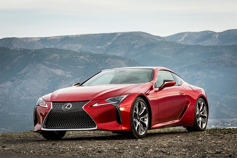 КиноТеатр: будущее где-то рядом. Автомобили икосмические корабли Lexus вкино. Новое купе Lexus LC 500