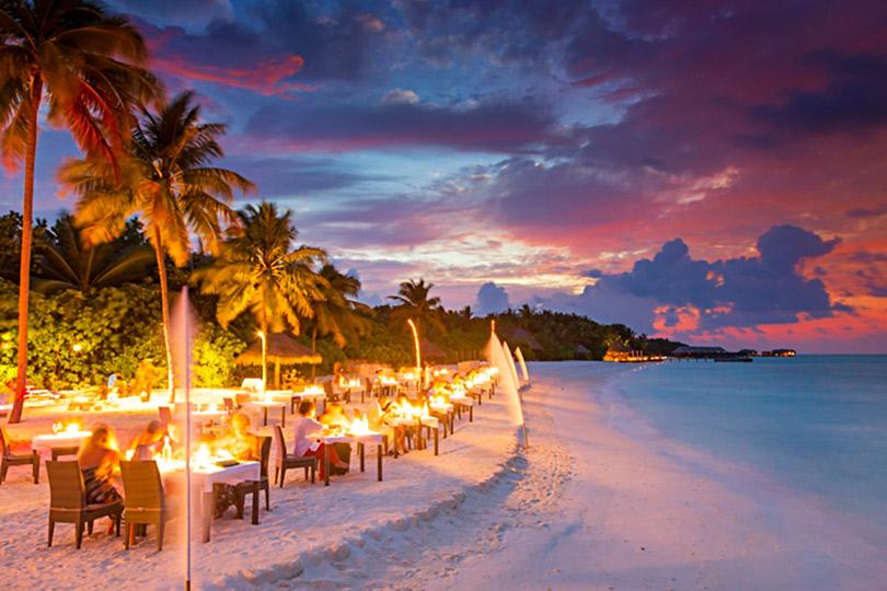 Куда поехать наНовый год: Insta-портье, вечеринка встиле «Великого Гэтсби» идругие экзотические развлечения наМальдивах