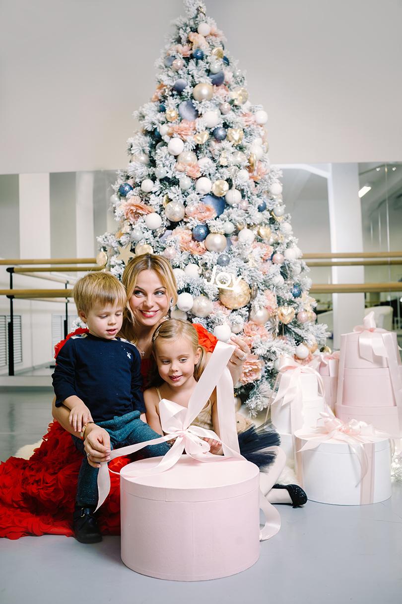 #familytimeseasons: Ксения Белая (хореограф иоснователь детской хореографической студии) сдочкой Евой исыном Егором