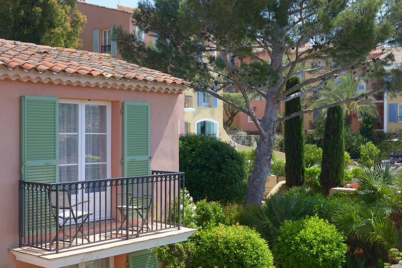 Summer Time: каникулы в любимом отеле Брижит Бардо Byblos Saint-Tropez