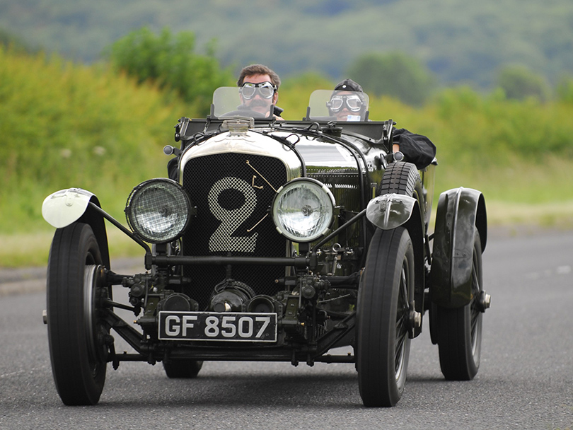 Cars with Jan Coomans.  Richard Charlesworth exclusive interview — story of a Bentley legend