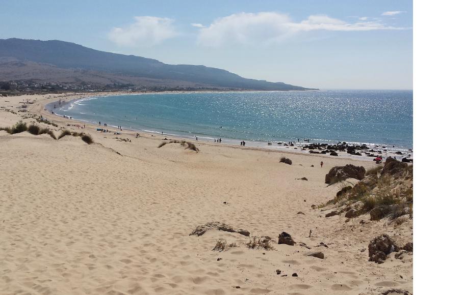 Испанский пляж: Playa de Bolonia, что в Тарифе