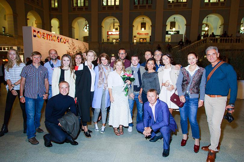 Светская хроника: открытие Cosmoscow. Современное искусство — это модно. Директор Cosmoscow Маргарита Пушкина с гостями