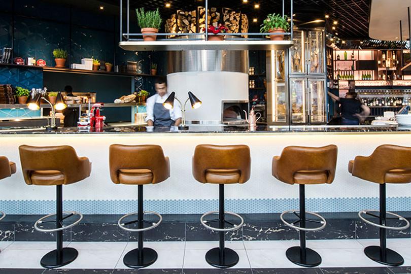 Набегу: лучшие рестораны ваэропортах инавокзалах. The Perfectionists' Café