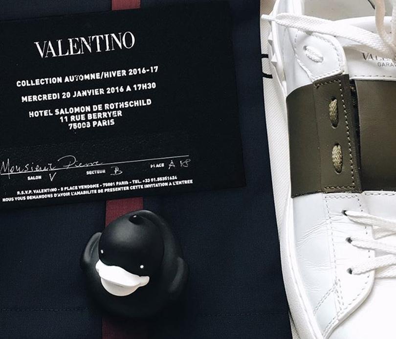 Instagram недели: Модная уточка Pierre Le Duck (@Pierreleduck). Пьер на показе Valentino