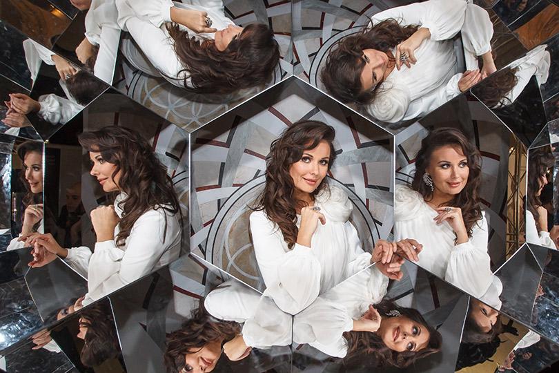 Презентация новой женской коллекции часов IWC Schaffhausen DaVinci врамках Mercedes-Benz Fashion Week Russia. Оксана Федорова