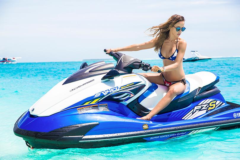 Celebrity Travel. Мальдивы сМиланой Королевой: йога уокеана, массаж втропиках иужины напеске