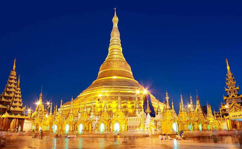 Золотая пагода Шведагон в королевстве Бирма