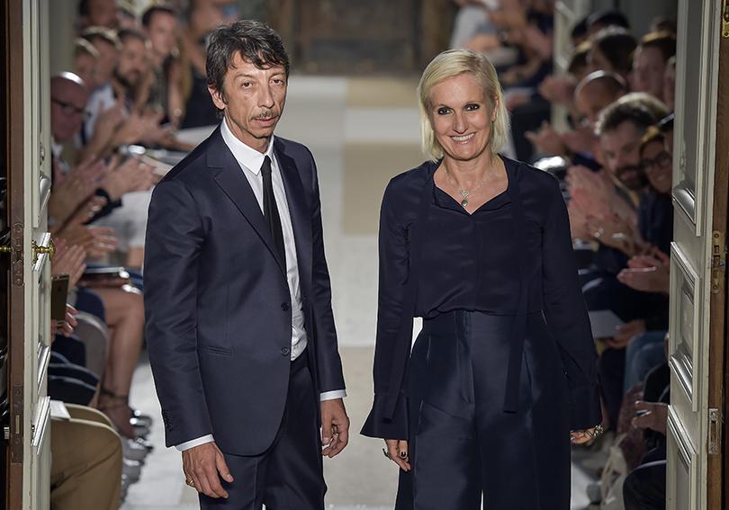 Пьерпаоло Пиччоли и Мария Грация Кюри на июньском показе Valentino на Paris Men's Fashion Week, коллекция сезона весна-лето 2017.