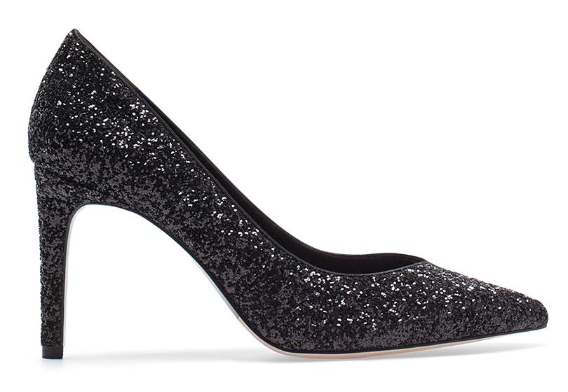 Новый год. Дресс-код: 28лучших пар обуви для новогодней вечеринки. Черные лодочки Stradivarius