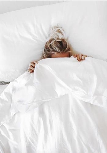 Неспящая красавица: 10привычек, улучшающих качество сна. Что можно сделать уже сейчас