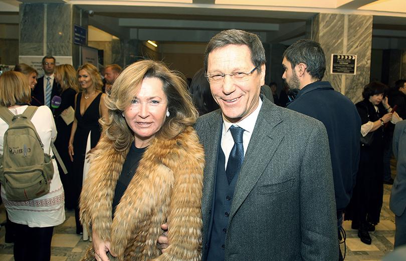Церемония «Золотой орел-2015» на «Мосфильме»: Александр Жуков с женой