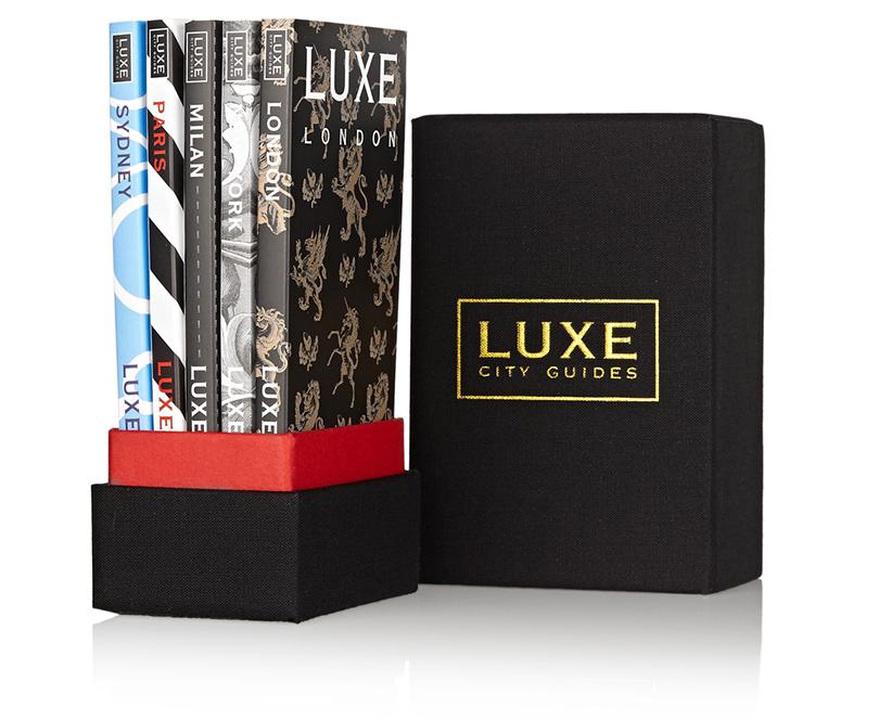 Новый год. Идея подарка: 8вещей, которые порадуют джетсеттеров. Серия Luxe City Guides остроумно, кратко и информативно рассказывает о том, что непременно стоит посетить