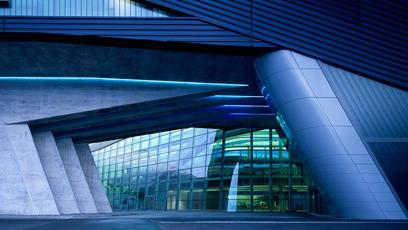 Главный заводской комплекс BMW вЛейпциге. Архитектор Заха Хадид