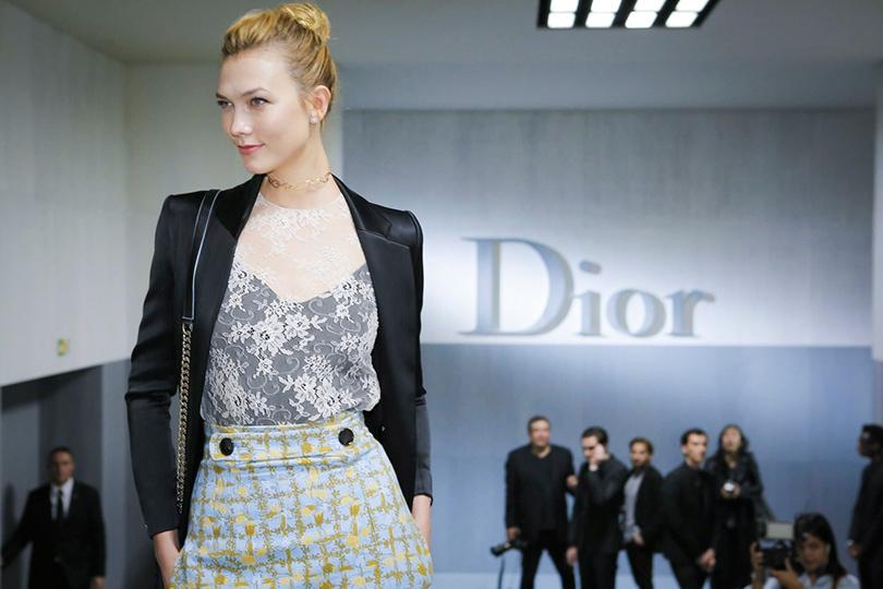 Style Notes: первая коллекция Марии Грации Кьюри для Dior. Карли Клосс