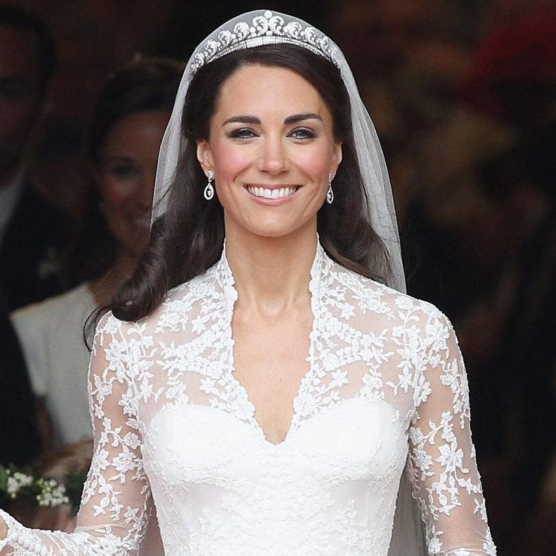 В2011 году Кейт Миддлтон надела тиару вдень своего бракосочетания сПринцем Уильямом.