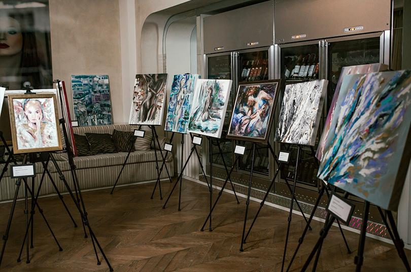 Art &More: pop-up галерея Ottepel представила «Ликантропию»