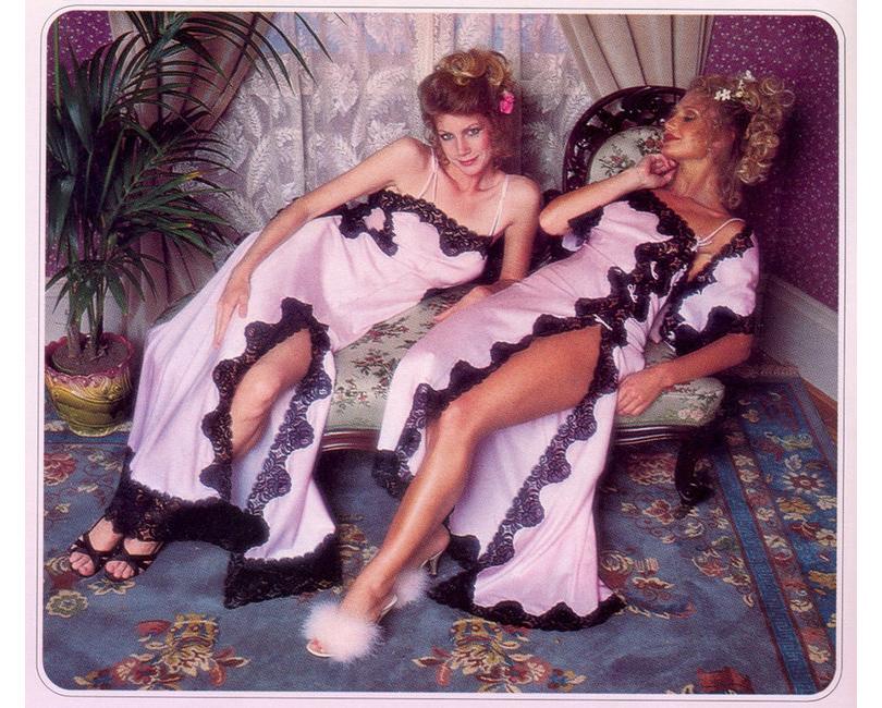Style Notes: секреты Victoria's Secret. Как превратить бренд в культурный феномен? 70-е годы. Фотографии из первых каталогов Victoria's Secret.