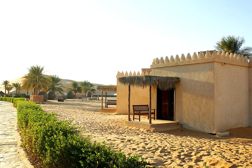 Идея на каникулы: 10 причин поехать в Абу-Даби весной.  Деревне наследия Heritage village