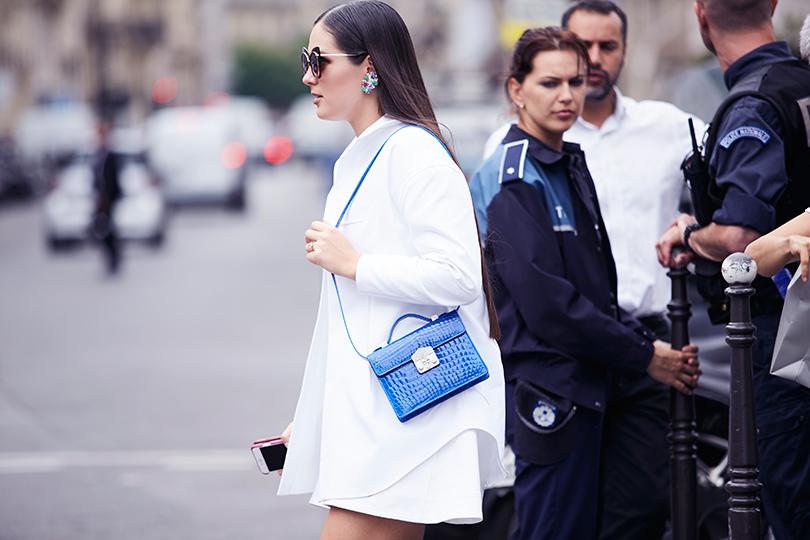 ЯвChristian Dior Total Look, ссумкой Flash Natale, украшенной бриллиантами исапфирами, изколлекции Special byRubeus Milano
