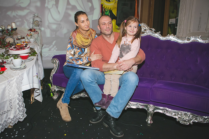 Константин Алексеев с семьей