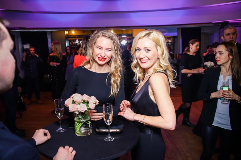 Екатерина Замковая (Sparkle PR Group, справа)