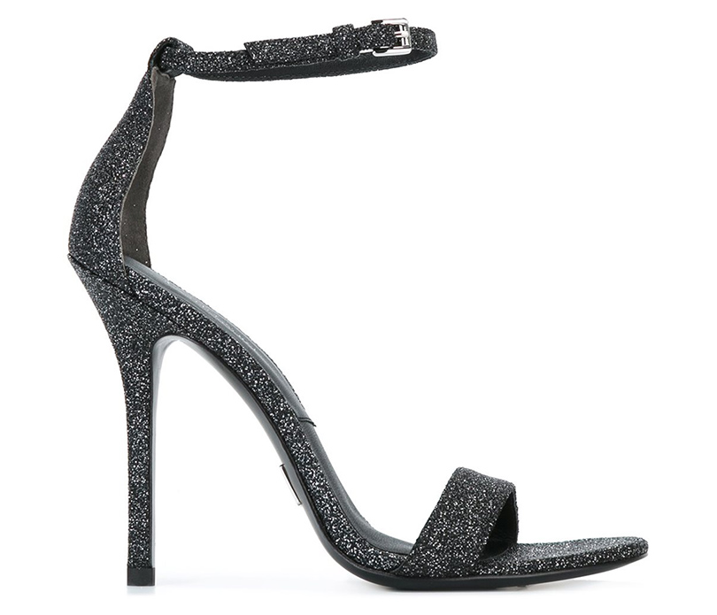 Новый год. Дресс-код: 28лучших пар обуви для новогодней вечеринки. Черные босоножки Michael Kors