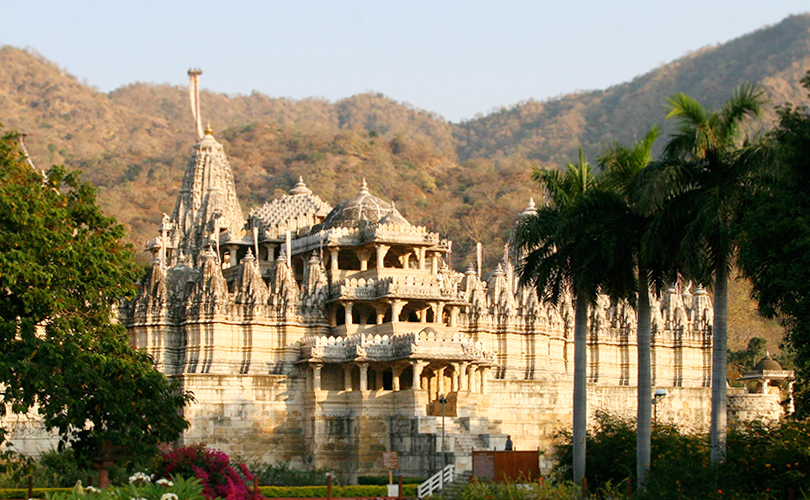 Храм Раканпур в Индии